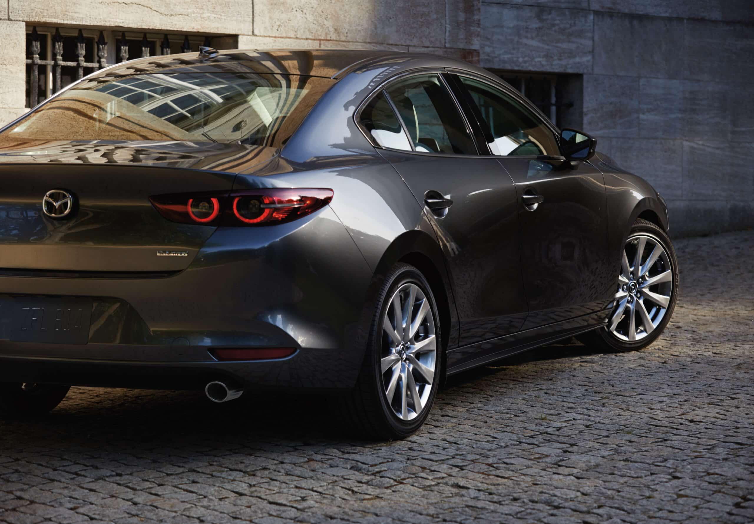 Arrière de la Mazda3 2020 berline